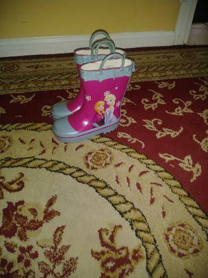 Little girl boots size 7 for Sale in Temple Hills, MD