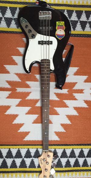 Fender Bass guitar and amp for Sale in Longwood, FL