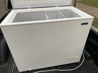 Freezer 🥶🥶7.2 cubic ft Thumbnail