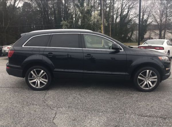 2008 AUDI Q7 PARTS ONLY, JUST BODY PARTS  PRICE IS NOT FOR WHOLE CAR  for  Sale in Austell, GA - OfferUp