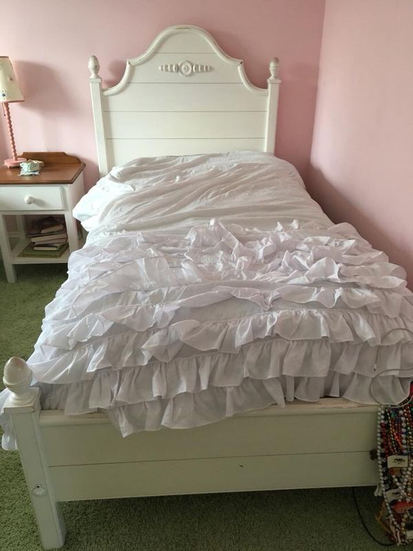 Ethan Allen Cottage Bedroom furniture set for Sale in Armonk ...