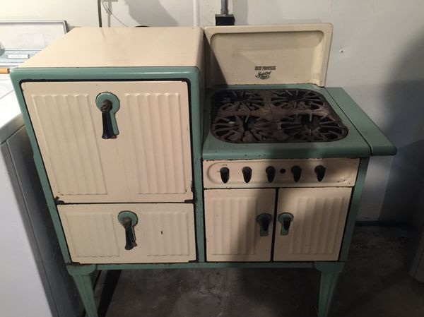 New Process Magic Chef Vintage stove for Sale in Akron, OH - OfferUp