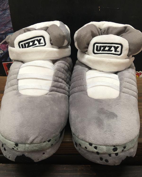 48269d861579 UZZY Unisex Sneaker Slipper medium for Sale in Los Angeles