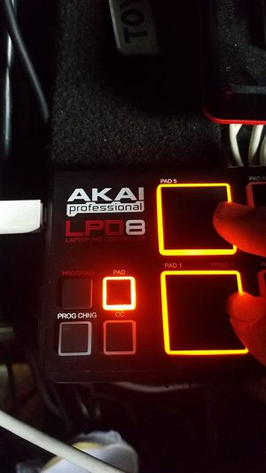Akai Pro LPD8 Laptop Pad Controller for Sale in Hawthorne, CA