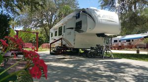 2008 34' Laredo Fifth Wheel RV for Sale in Miami, FL