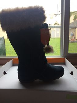 Brand new Sporto thermal boots size 7 Thumbnail