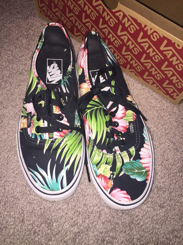 56df3e0d9c Hawaiian vans size 7 gently used for Sale in Medina