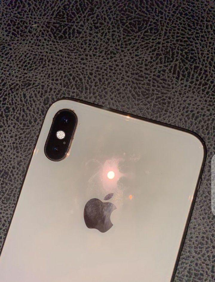 iPhone Xmas 64gb unlocked