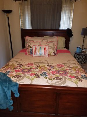 Queen size sleigh bed frame for Sale in Arlington, VA