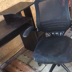 Desk / chair $30 Thumbnail