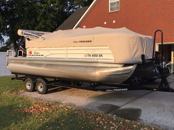 2016 22� sun tracker party barge dxl