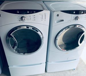Photo GE Front Load Washer & Dryer Set (Pedestals Included)-PRICE IS FIRM