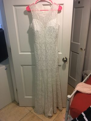 NEW White wedding/prom dress with tag size M for Sale in Silver Spring, MD