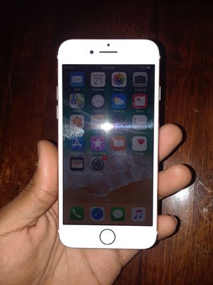 (Unlocked to any carrier) iphone 7 32GB for Sale in Washington, DC