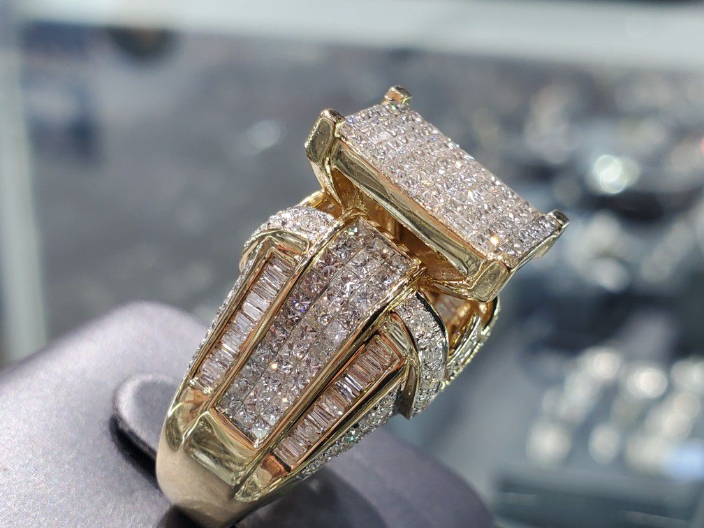 14K Gold with Diamond Ring, 5.0 ct, Princess Cut, Baguettes, Round Diamonds, Solid and Heavy, Unique, Beautiful, Elegant