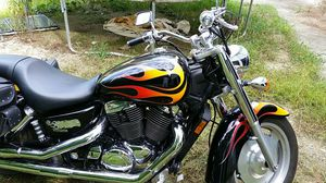 2007 honda sabre motorcycle. Low miles for Sale in Gaithersburg, MD