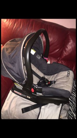 Graco car seat with base for Sale in North Bethesda, MD