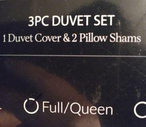 Full/Queen 1 duvet cover and 2 pillow shams Thumbnail