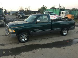 1994 Dodge Ram SLT 130k miles runs and Drives!!! for Sale in Hillcrest Heights, MD