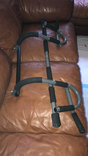 Like New Iron Gym Pull Up Bar for Sale in Bethesda, MD
