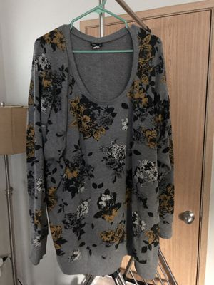 56fc9377505 Torrid Grey Yellow Floral Swearshirt for Sale in Lake Stevens