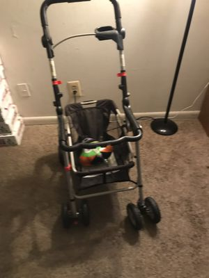 Graco car seat holder for Sale in Baltimore, MD