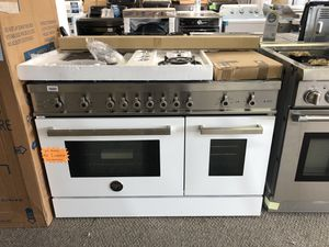 "Bertazzoni 48"" Dual fuel range. New with warranty. Cheaper than retail. White and stainless. for Sale in Houston, TX"