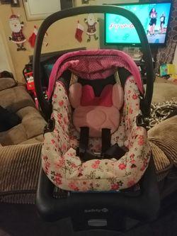 Minnie Car Seat And Stroller Thumbnail