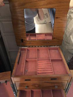 Antique jewelry box Thumbnail