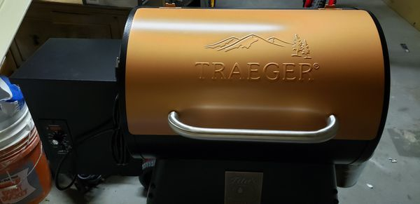 New Traeger Grill Tito S Vodka Limited Edition Tfb29vcd Smoker For Sale In Chicago Il Offerup