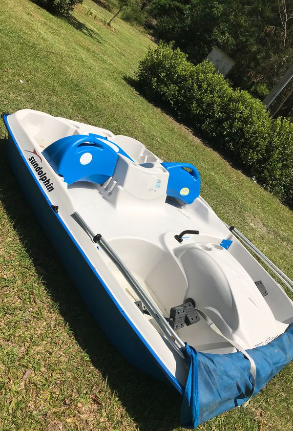 Sun dolphin 5 seater pedal boat for Sale in Saucier, MS - OfferUp
