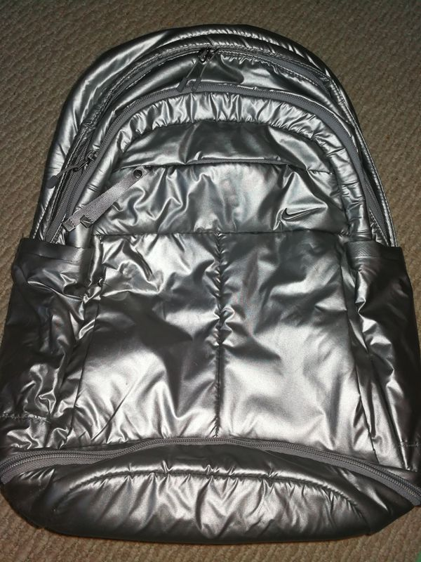 3b1eab24b229 Nike Backpack Silver color like new Rn  56323 CA 05553 laptop padded Many  zip pocket