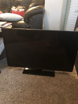32 inch insignia tv for Sale in Atlanta, GA