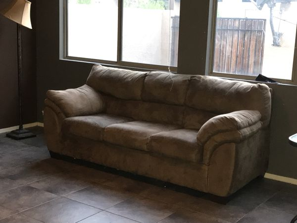 Famous $20 Incredibly Comfortable Tan Microfiber Suede Sofa Couch  KZ19