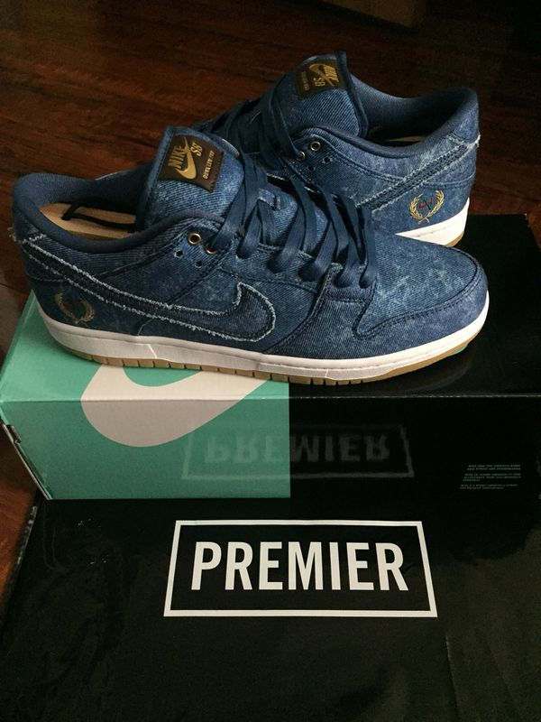 2ee24ea61eed Nike sb dunk low denim rivals pack size 8.5 tupac biggie for Sale in ...