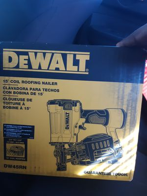Photo Dewalt 15° coil roofing nailer