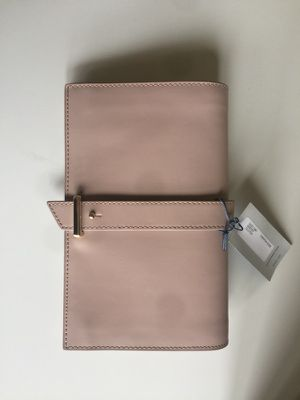 79f3d0352b0 NWT Cole Haan Vestry Clutch Canyon Rose (Blush) for Sale in Kirkland, WA -  OfferUp