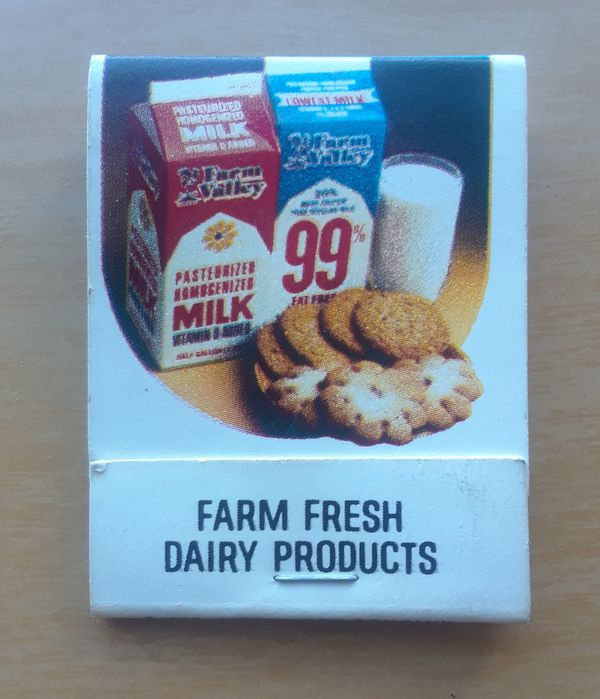 DeMoulas & Market Basket Farm Fresh Dairy Products Vintage Back-Strike  Pocketbook Matchbook for Sale in El Paso, TX - OfferUp
