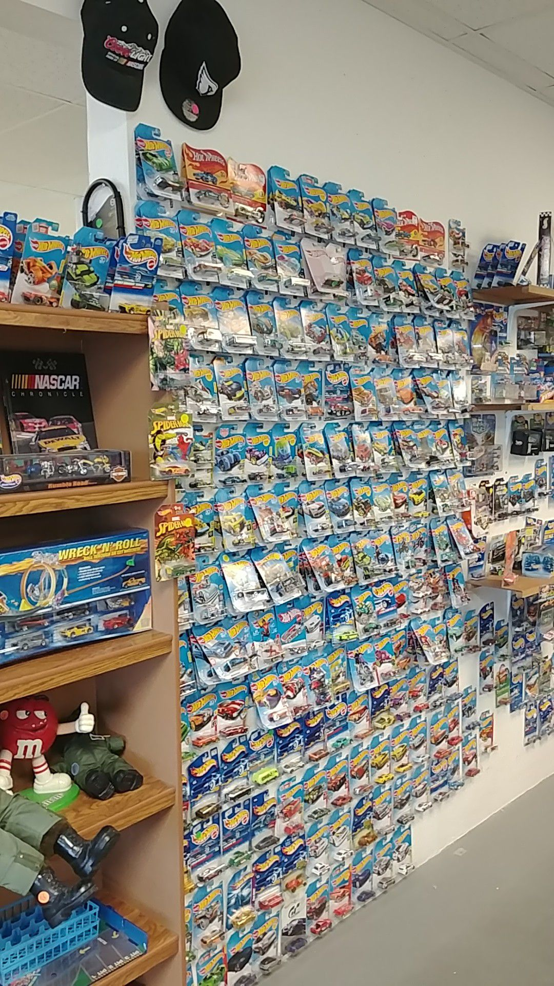 Hot Wheels and other Die Cast cars. Pawn Shop