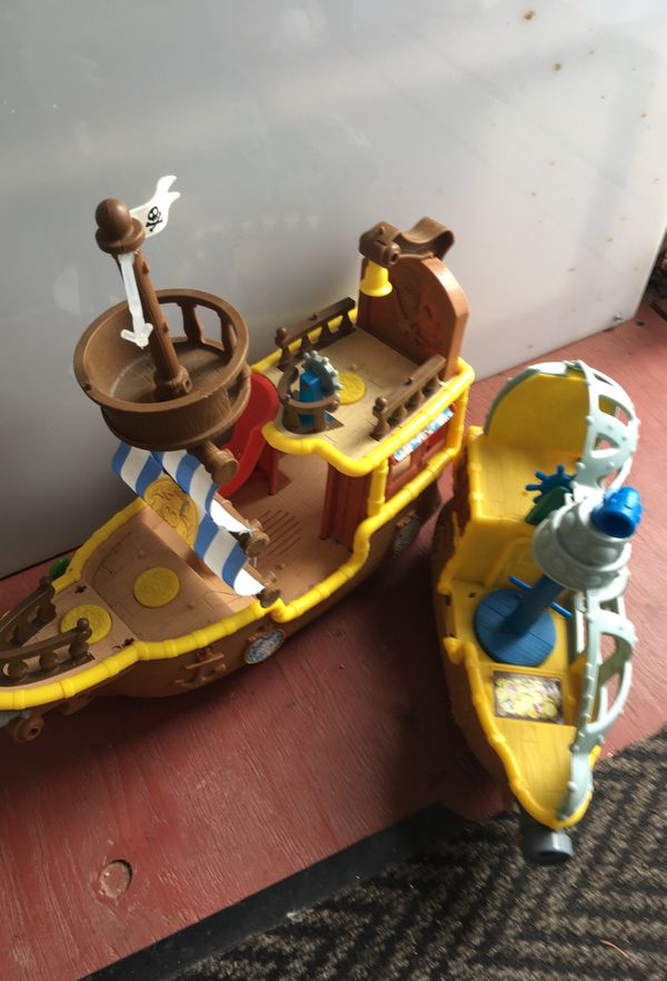 2 pirates boats for kids great for playing in water (Games & Toys ...