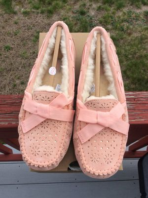 c4a2f8df3c5 Ugg Dakota Sunshine Perf Slippers. for Sale in Worcester, MA - OfferUp