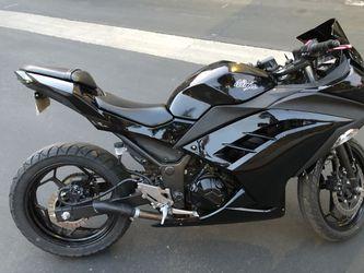 2014 Kawasaki Ninja 300 Thumbnail