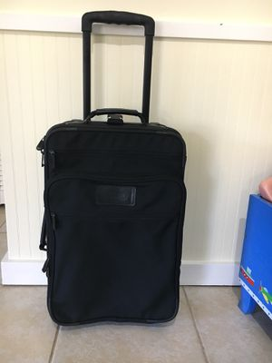 Carry on suitcase for Sale in Germantown, MD