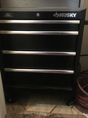 Husky tool box for Sale in Hyattsville, MD