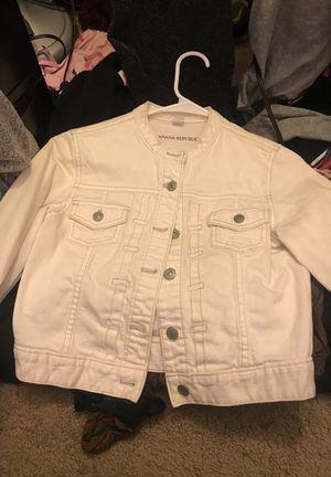 83d74275f5be88 Banana republic crop jean jacket for Sale in Sacramento