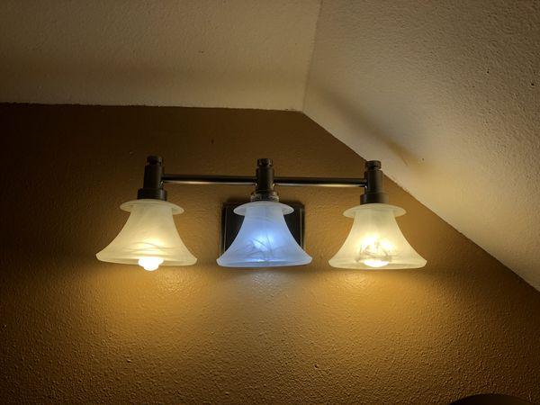 Bathroom Light Fixture for Sale in San Antonio, TX - OfferUp