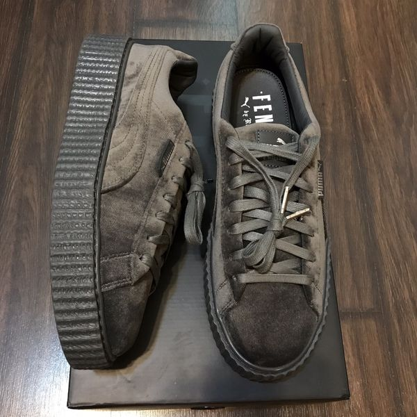 hot sale online 8af48 c0b12 Puma Fenty velvet creeper size 10mens/11.5women for Sale in Oxon Hill, MD -  OfferUp