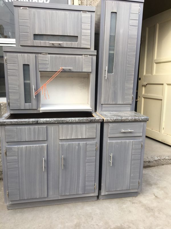 New 5 pieces kitchen cabinets 6.6 feet long for Sale in El ...