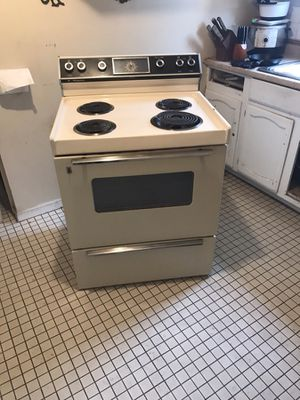 Sell stove it's still work Sell $$30.00 for Sale in Columbus, OH