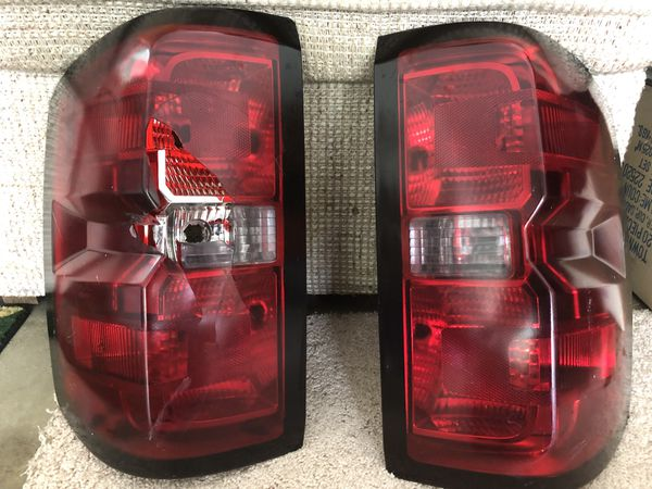 2016 silverado driver side tail light